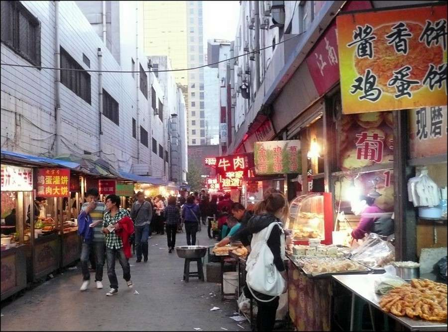 shijiazhuang_backstreet_market_dusk.jpg