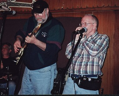 Jerry Doucette at the Arbuckle Pub - Courtenay BC - May 2002